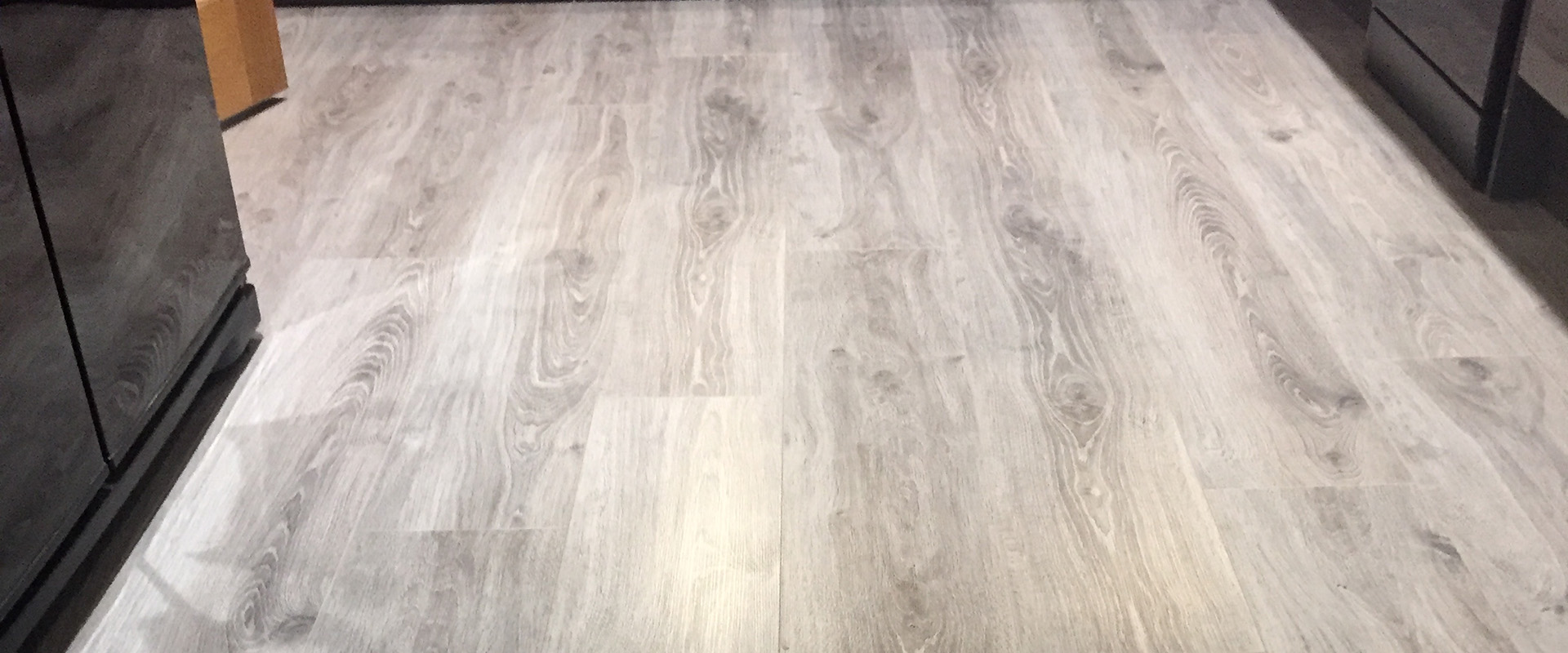 Grey oak effect laminate flooring